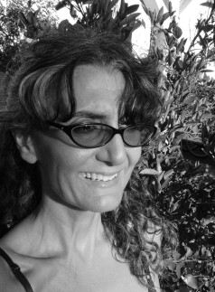 Award-winning artist, author and independent scholar Hazel Antaramian-Hofman will speak at the Zohrab Center on Thursday, March 20 at 7PM.